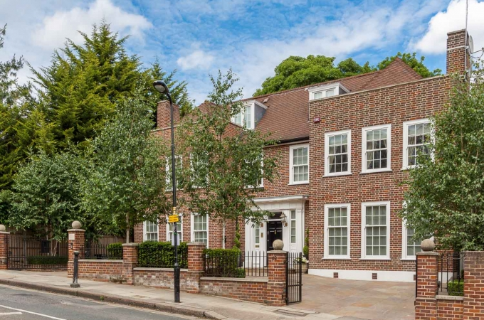 Gisiana House, Frognal, Hampstead, London NW3